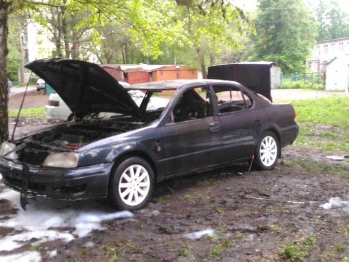 Сегодня, 25 мая Утром в Засвияжском районе сгорела иномарка.