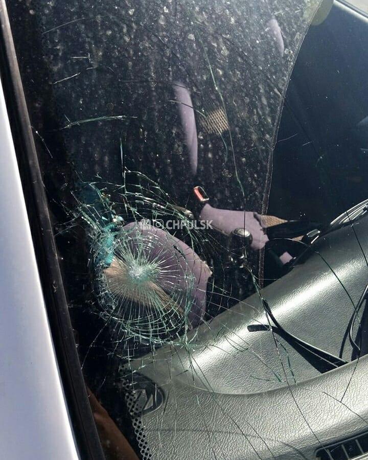 Ульяновск Президентский мост атакуют...подростки с камнями.
