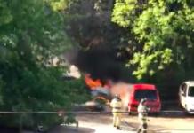 В центре Ульяновска загорелись «BMW Х5» и «Пежо 107».