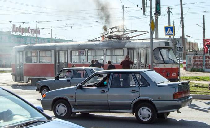 На Московском шоссе загорелся трамвай