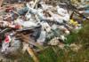 Новосвияжский пригород завалили досками, тряпками и кафельной плиткой свалка ульяновск,ульяновск сегодня, мусорка ульяновск,грязь ульяновск,свиньи ульяновск