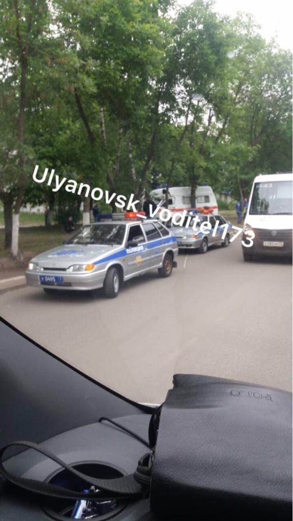 На Варейкиса после столкновения с Калиной машина «скорой» въехала в дерево.