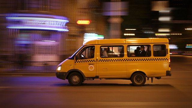 В Ульяновске женщина выпала из маршрутки на полном ходу
