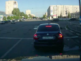 Момент столкновения иномарки и ВАЗа в Новом городе попал на видео