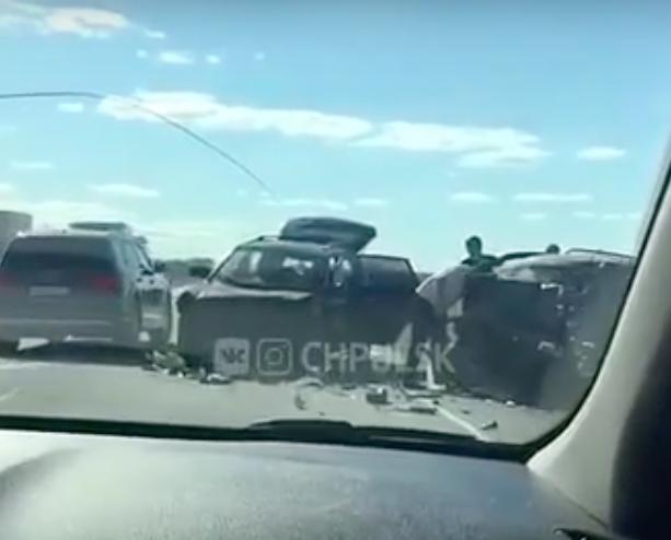 На трассе за Лаишевкой лоб в лоб столкнулись ВАЗ и Hyundai: погибли два человека. Видео