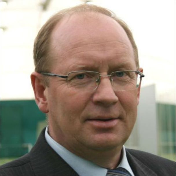 Лазарев сдал пост министра спорта без боя
