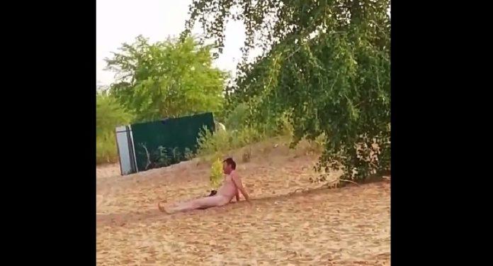 Девушки засняли на ульяновском пляже нудиста