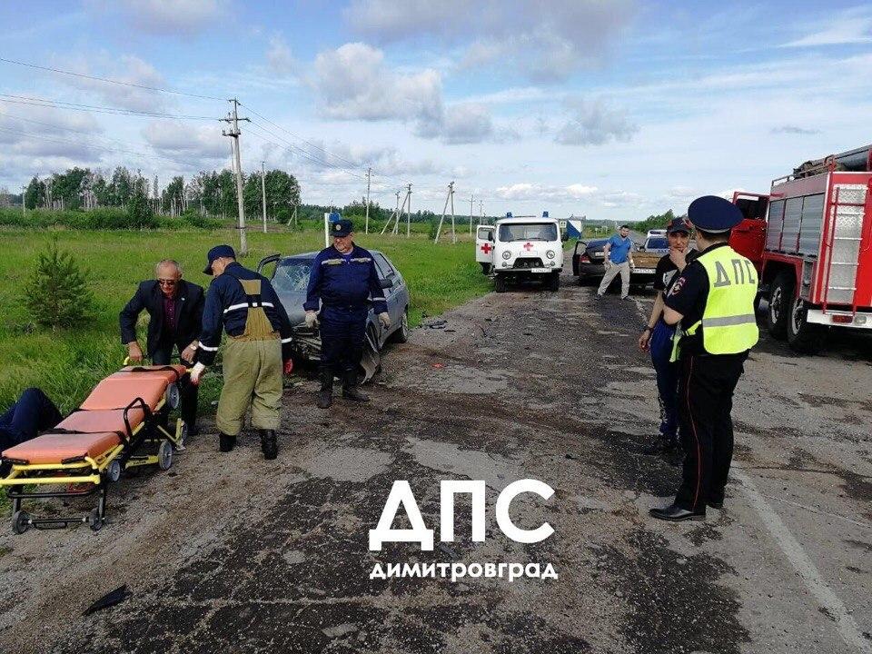 На трассе «Самара-Ульяновск» столкнулись две легковушки. Есть пострадавшие