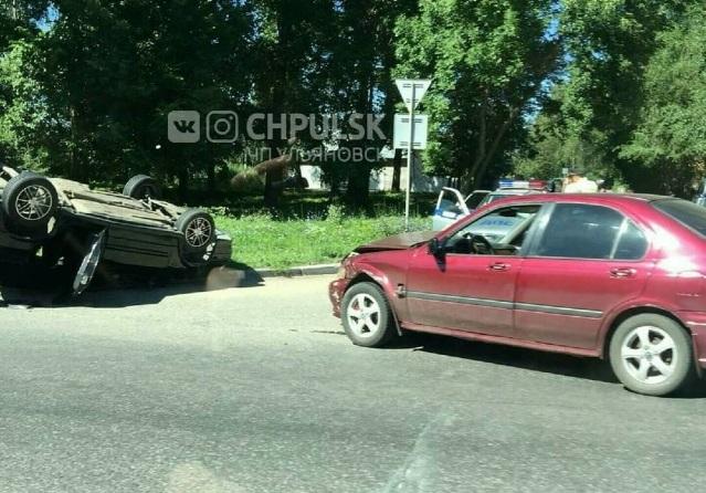 Три человека пострадали в ДТП, которое случилось в Заволжье. Фото