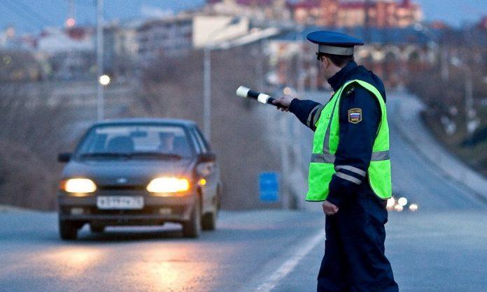 Под Ульяновском не пристегнутый пассажир пытался подкупить инспектора ДПС