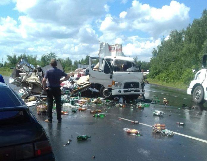 Под Ульяновском столкнулись две груженные фуры