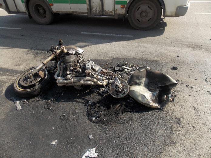Под Ульяновском столкнулись иномарка и мотоцикл: есть пострадавшие