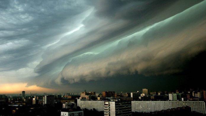 МЧС предупреждает: днем ожидаются грозы