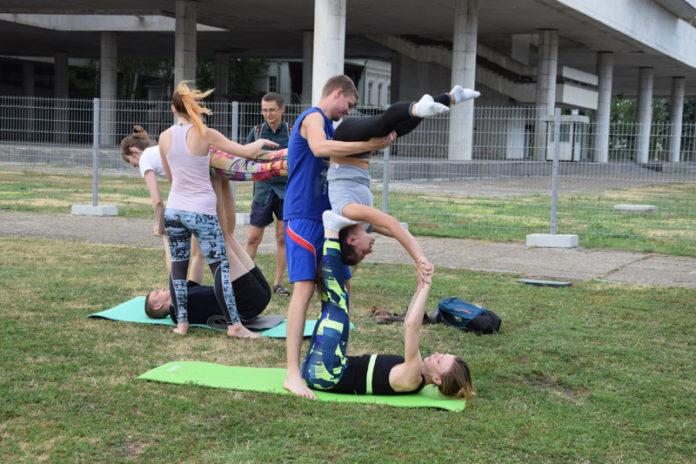 Ульяновцев приглашают на бесплатное занятие йогой