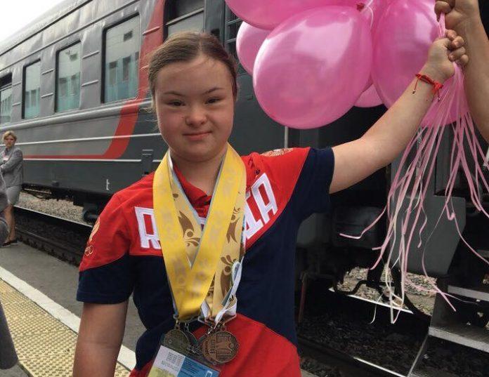 Воля к победе! Школьница из Димитровграда выиграла чемпионат мира по плаванию для лиц с синдромом Дауна
