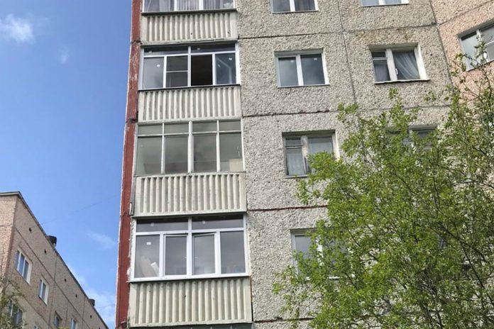 В Ульяновской области из окна 4 этажа выпал ребенок
