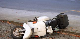 В Ульяновске автоледи врезалась в скутер: пострадали два школьника