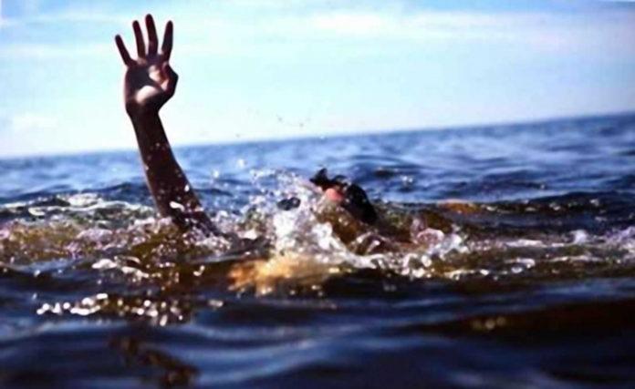 В Ульяновске из воды спасатели вытащили тонущего мужчину