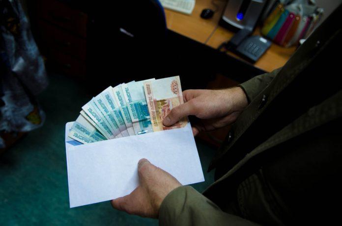 Ульяновского врача-нарколога поймали на взятке