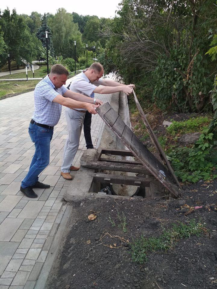 «Сложный организм». Губернатор принял приглашение на экскурсию по парку Дружбы народов и сказал, что «бездушным исполнителям» его не отдадут