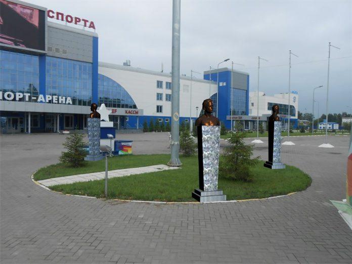 К октябрю возле «Волга-Спорт-Арены» хотят установить три бронзовых памятника ульяновским Олимпийским чемпионам: общая стоимость бюстов 1,6 млн. рублей