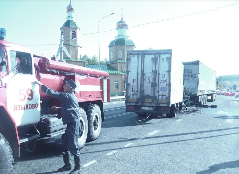 Смертельное ДТП возле восстановленного храма в Прислонихе. Фото с места столкновения Исузу и ДАВ