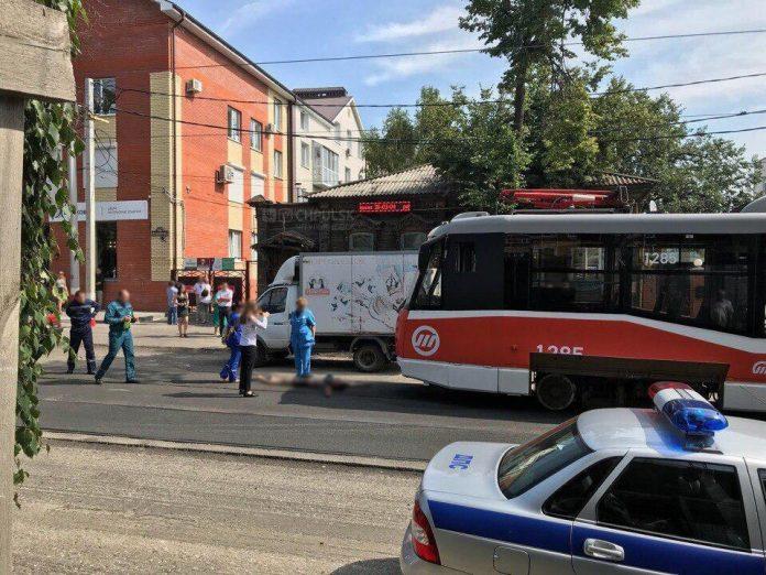 «Сначала хотел напасть на меня и броситься под машину»: очевидцы рассказали подробности ЧП на Радищева. Видео