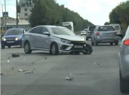 В Ульяновске на улице Гая врезались три легковушки: есть пострадавшие