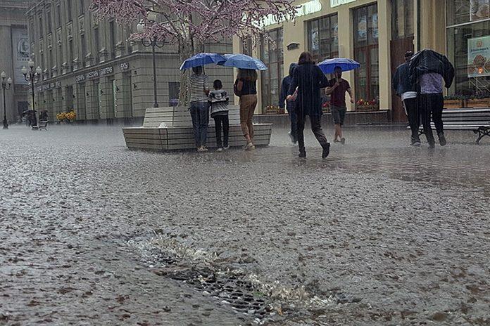 В ближайшие часы Ульяновскую область накроют ливни и грозы