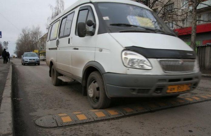 В Ульяновске нерадивых маршрутчиков отправят на курсы за свой счет