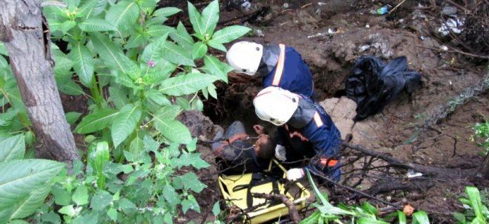 В Ульяновске мужчина упал в 15-метровый овраг