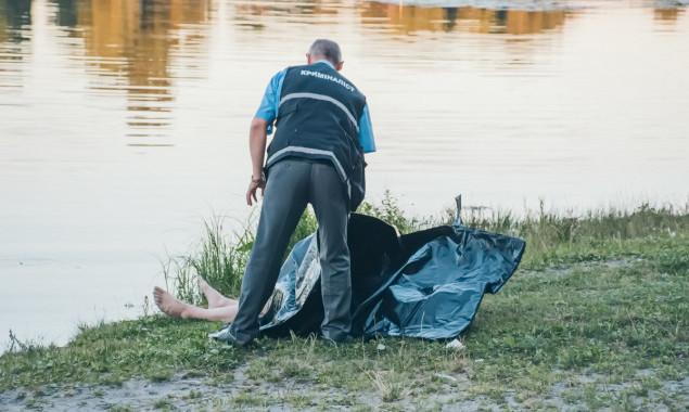 Полицейские вытащили из пруда тело утонувшего 33-летнего мужчины