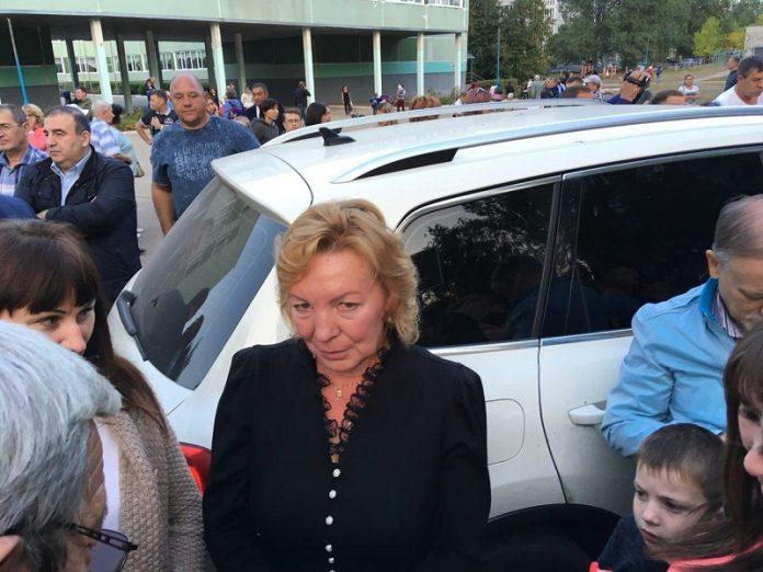 Людмила Шишкина - директор школы №72