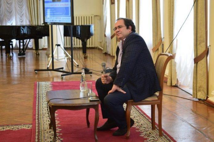 Максим Замшев, поэт и главный редактор «Литературной газеты», во время визита в Ульяновск