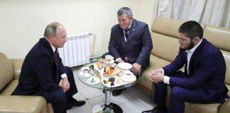 Владимир Путин, Абдулманал Нурмагомедов, Хабиб Нурмагомедов. Ульяновск, 10 октября 2018 года